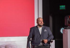 Infoshare: Tomasz Manikowski - Make Human Great Again. About emotions in marketing